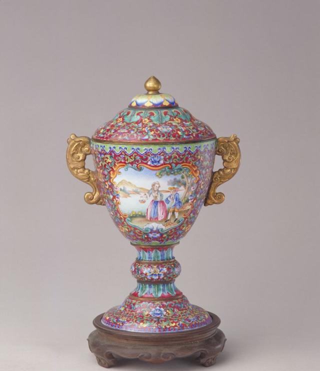 瓷器中的豆器皿在古代你知道是干嘛用的吗