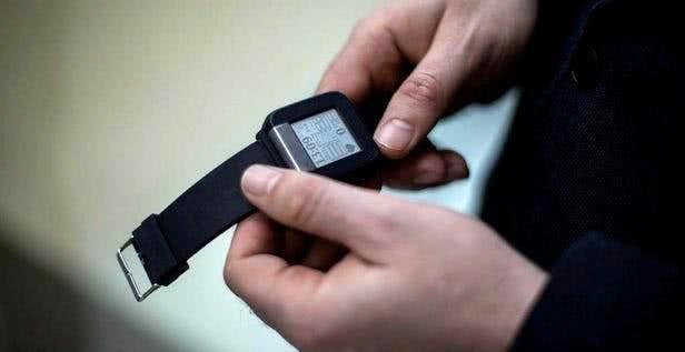 科学家研发用于检测心脏问题的腕戴式设备