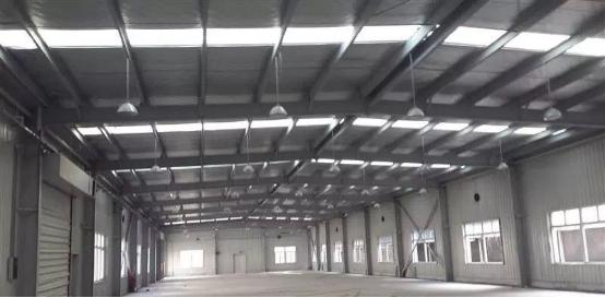 与传统屋顶材料相比,新型彩钢屋顶自粘防水膜有哪些优点?