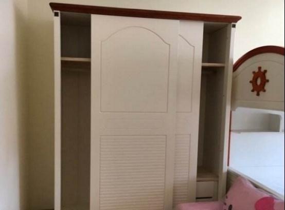 卧室买衣柜万万不要选这种,密封差还容易坏