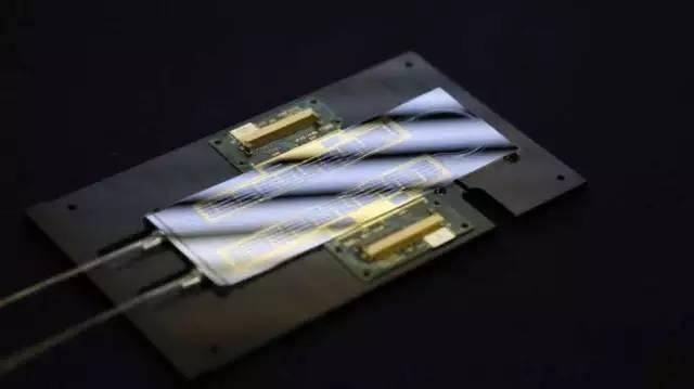 硅-石墨烯器件:未来手机间通信有望变更快!