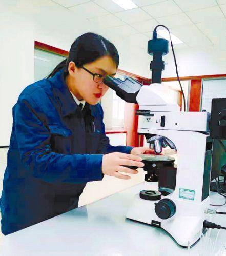 寄情书法的90后――记泰山玻纤技术发展部化验室化验员刘莎莎