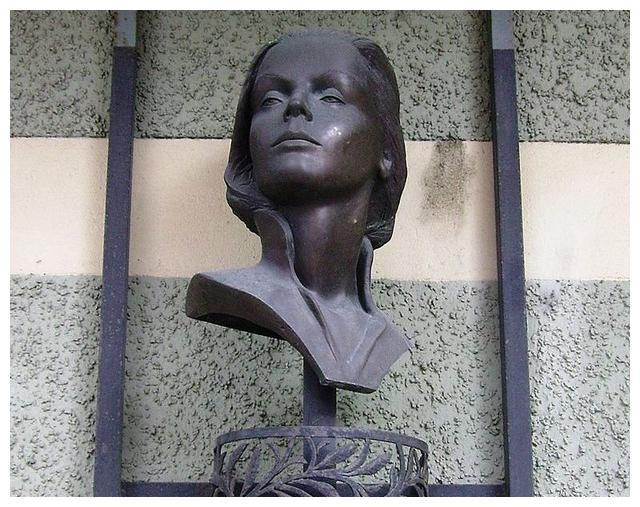 """嘉宝小传:完美无死角的""""石雕美人"""",一句话毁了希特勒"""