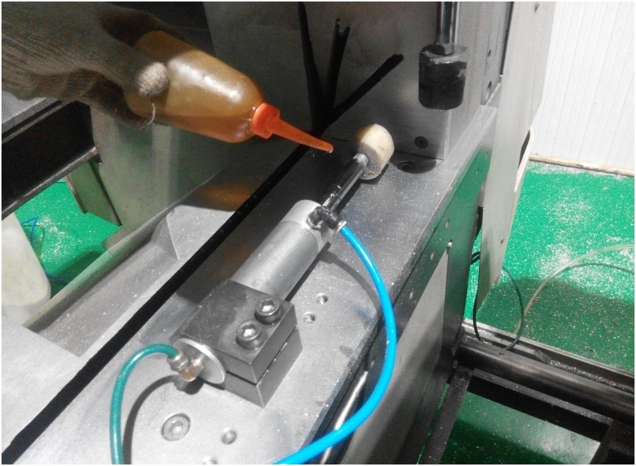 门窗厂设备保养及维护管理办法,希望能帮到你!