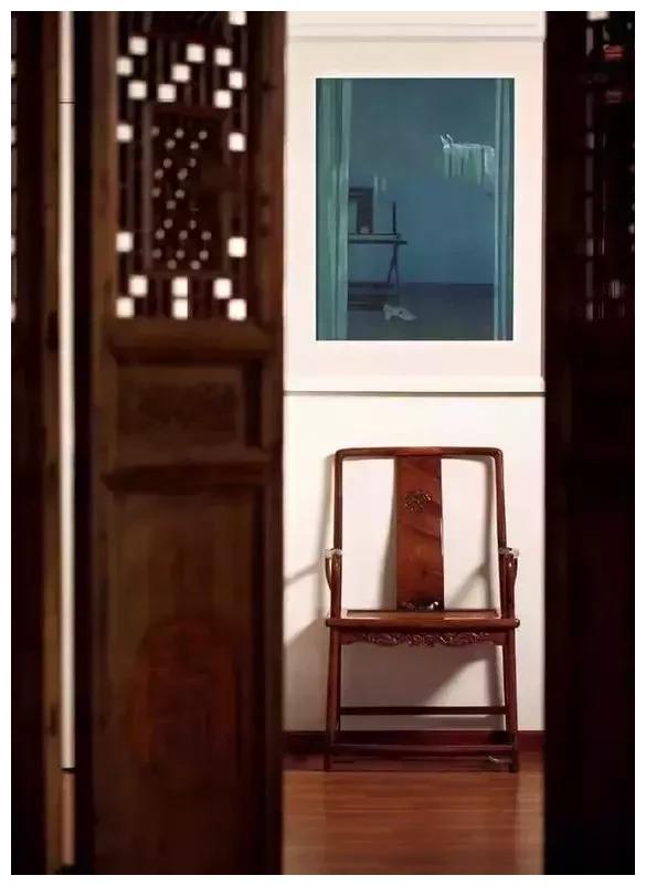 红木家具为何会开裂?正常吗?不抽不涨不裂不响的家具是板式家具