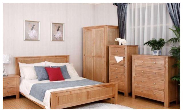一万块钱买的衣柜只有四只脚是实木?家具店老板:这是实木的一种