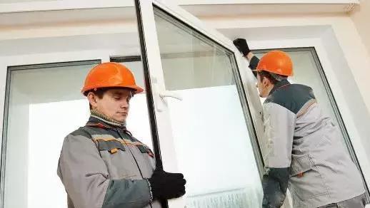 装修封窗户,用铝合金还是断桥铝更好?老师傅给我家装完,特讲究