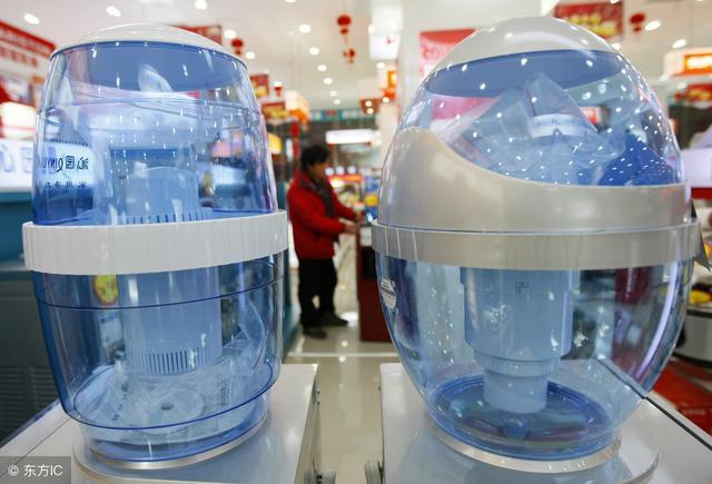 饮水机的制热、制冷、消毒分别由各功能开关控制
