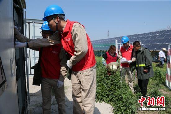 丰县师寨镇光伏板下种植食用菌 实现产值1.4亿元