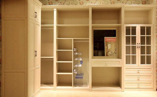 """卧室切记这种""""衣柜""""不能装,入住就知道多不实用,真的是浪费钱"""