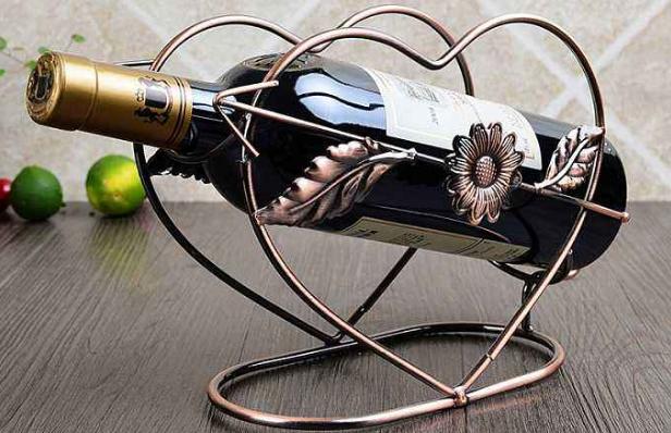 """为啥红酒要横着放,竖着放真的会""""掉价""""吗?网友:看完涨知识"""