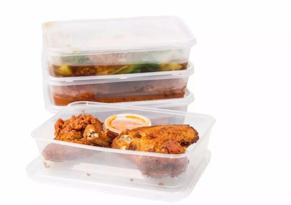 万千家长都在犯的错!这些塑料餐具可能毁了孩子一生