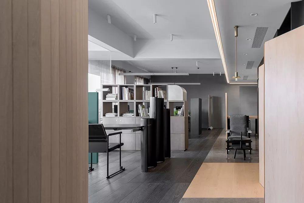 简直了!这才是木木木木木地板公司的办公室!