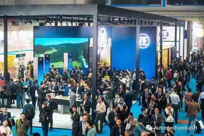 为期四天的展会迎接来自世界各地的参展商、专业观众、行业机构及媒体,共同见证整个汽车生态系统的最新进程。展会各板块规模均呈现增长,体现了亚洲汽车产业的蓬勃发展,以及国际市场对开拓亚洲及全球市场的雄心壮志。