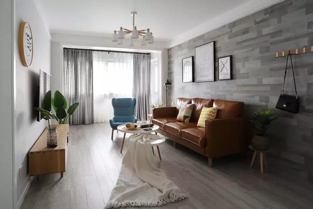 没钱就这样装吧,墙面刷大白、客厅不吊顶,一样很漂亮!