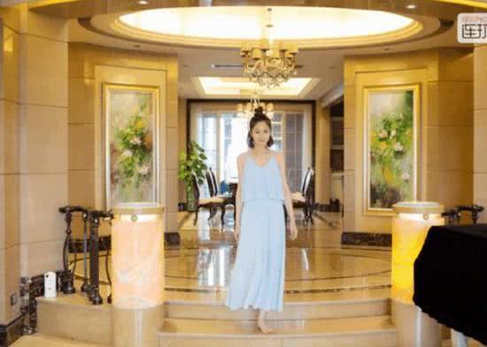 带你看看蓝燕住的豪宅,室内装修媲美皇宫