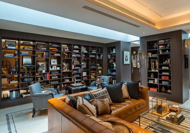 小户型没有独立书房?只要有心,随处都可以打造一个家庭图书馆