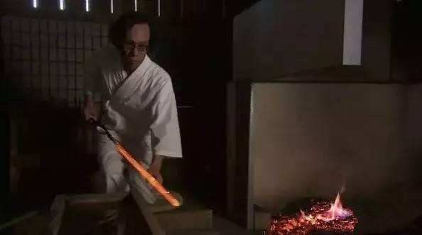 刀剑铸造过程中的回火和退火是什么?