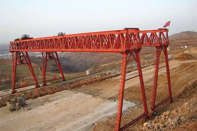 中国研制门式起重机,打破了自己保持的世界纪录
