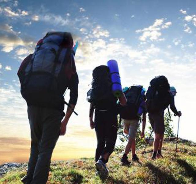 爬山一定超级累吗?4招教你选择登山用品,为行程减负