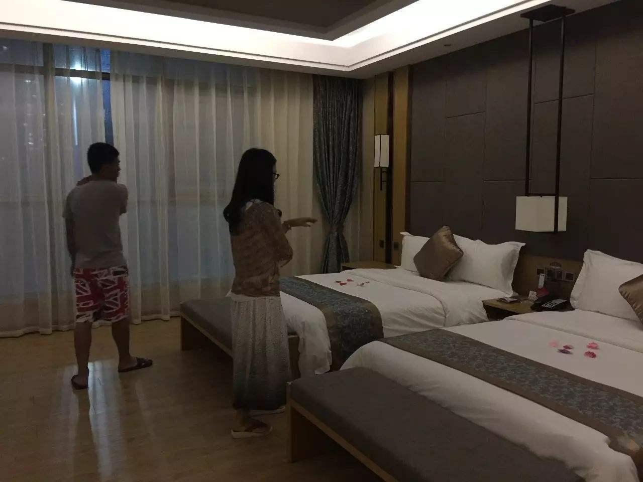 为何酒店床上用品都是白色的?难道只为美观?酒店经理说出门道