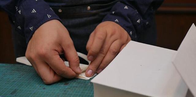皮具大百科之最重要的基础步骤来了,作品设计的本身——纸型