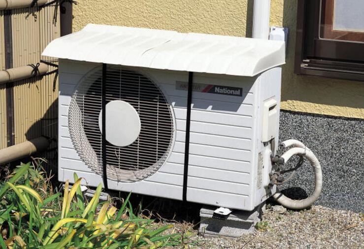为何日本人不把空调外机挂外墙?听老师傅说完,懊悔知道太晚了!