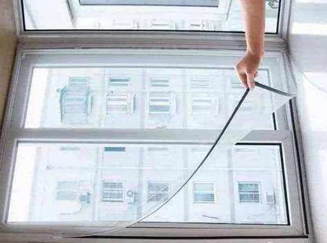 清洗纱窗有诀窍,教你这一招,不用拆洗,再脏的纱窗都干净