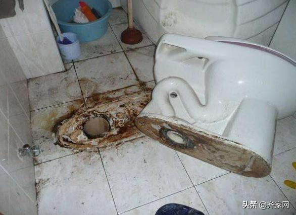 安装马桶时要用到密封圈,不然卫生间总是有臭味