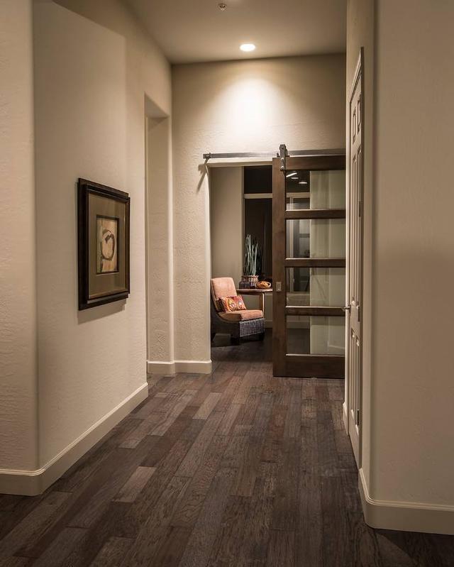 木地板选什么颜色最好看?这8款百搭又耐看,客厅卧室都能用