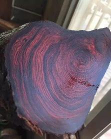 红木原材料日渐匮乏,小叶紫檀拆房老料一根能买一套房!你家有吗