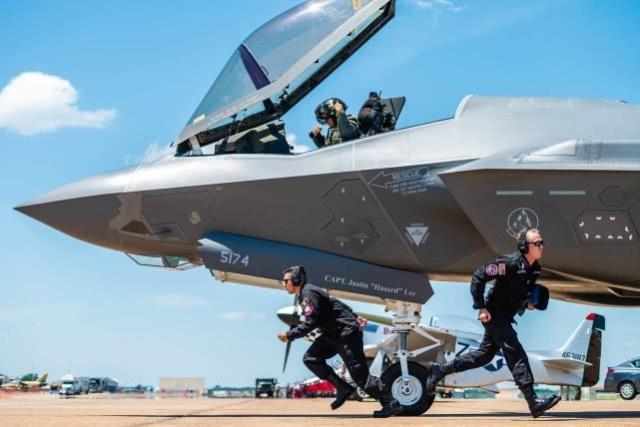 F35战机关键部件断货,美军方请白宫网开一面:大国制造无可替代