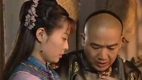 纪晓岚妻子出了一上联:月照纱窗,个个孔明诸葛亮