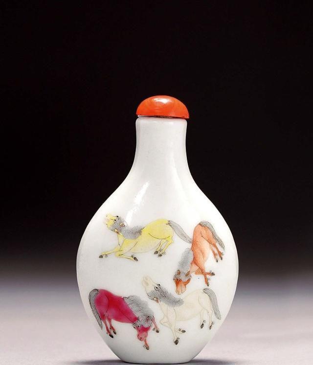 集书画雕刻烧制艺术于一身的微缩工艺品——鼻烟壶