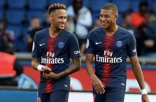 巴黎圣日耳曼:为处理财务问题队内顶级球员只能二选一