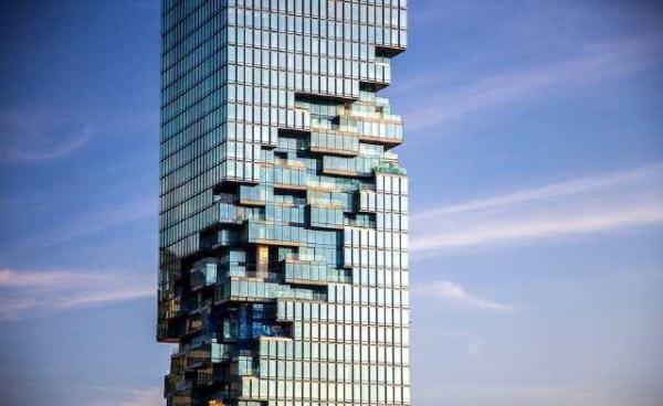 """亚洲最酷炫的""""马赛克""""建筑,白天像烂尾楼,晚上却美的不真实!"""