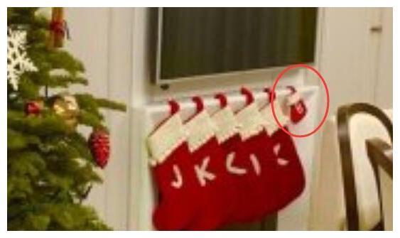 林志颖晒圣诞树照,墙上的袜子引热议,一家五口却挂了六只