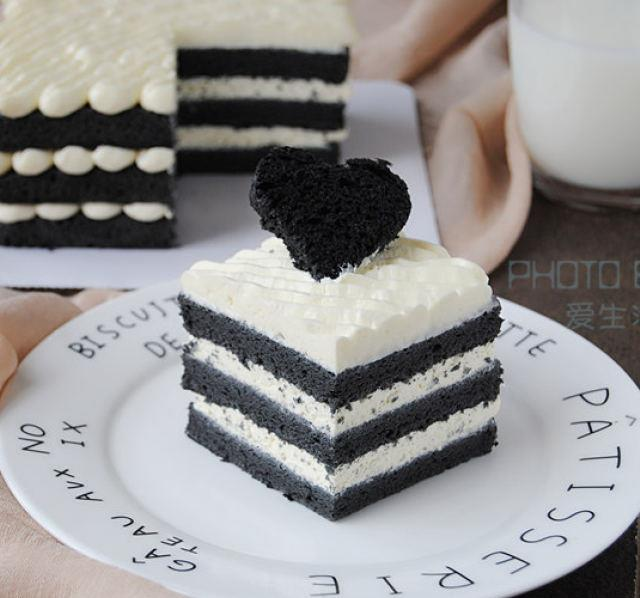 竹炭奶油蛋糕,这样做口感一级棒,不能抵挡的黑白诱惑