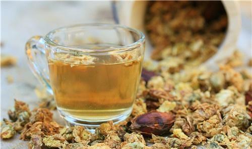 菊花的功效与作用,菊花茶要如何泡制?日常喝一点