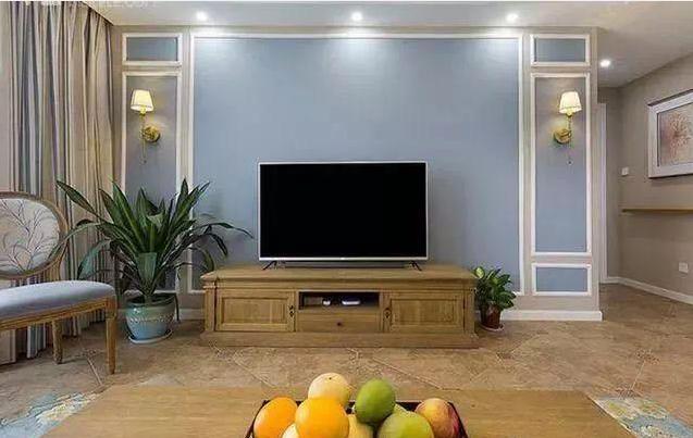 媳妇为省钱只用石膏线装修电视背景墙,朋友却说这次贪便宜做对了