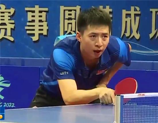国乒世界冠军怒踢毛巾桶, 受到最严罚单, 刘国梁铁腕治军不容情