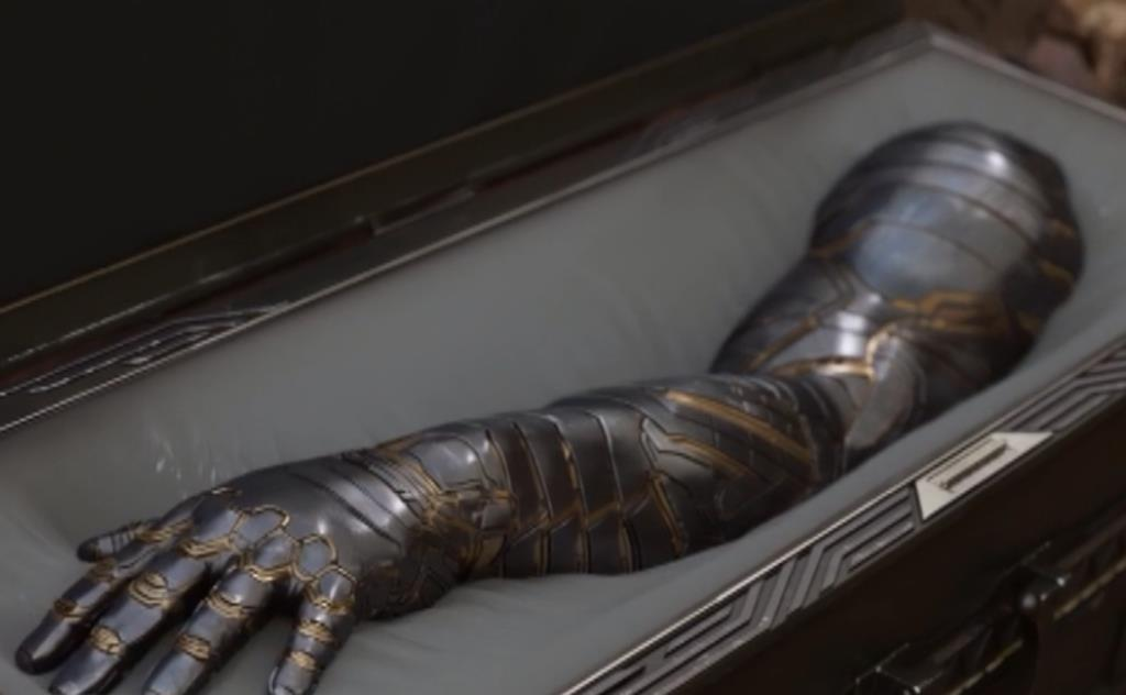 同样是麒麟臂,美队手臂真实,冬兵机械制造,他手臂虽小力量非凡
