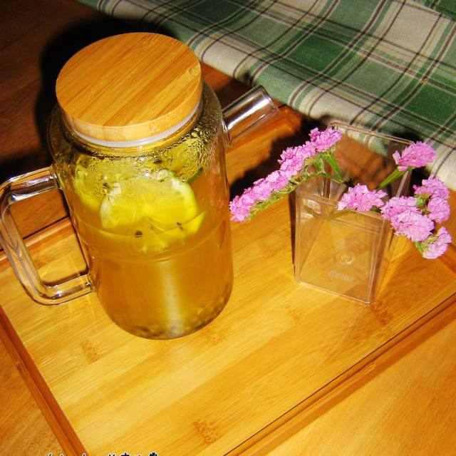 青桔百香果茶,酸酸甜甜开胃极了,几分钟搞定的下午茶饮品