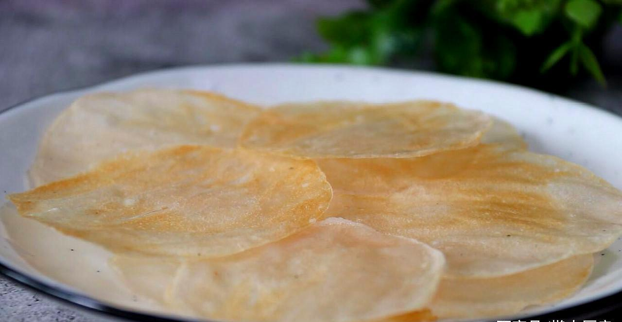 这才是正宗的虾片的做法,不用油炸,无任何添加剂,鲜香酥脆