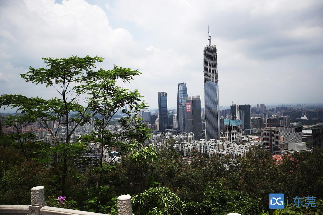 423.8米!东莞第一高楼主体钢结构封顶
