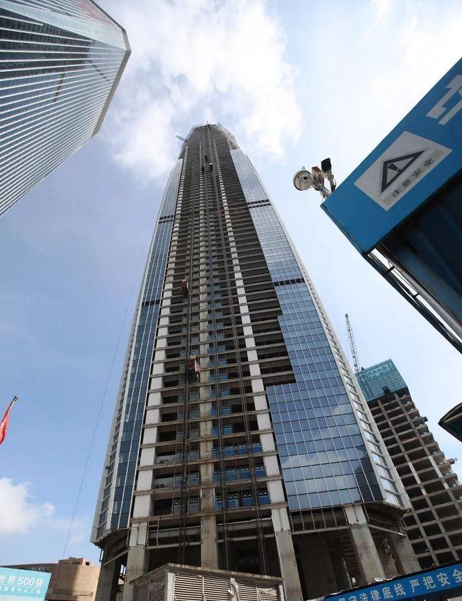 """423.8米!东莞""""第一高楼""""主体钢结构封顶,还有这些摩天大楼你知道吗?"""