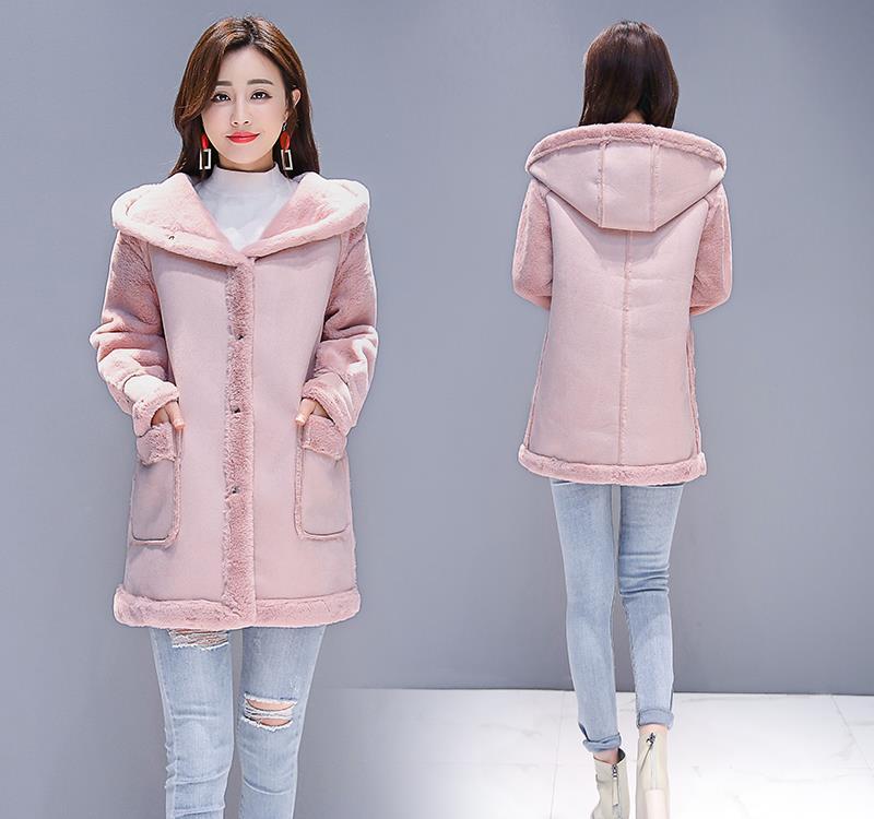 冬季女人可以不穿毛大衣,穿羔羊绒外套也可以保暖也可以美美哒