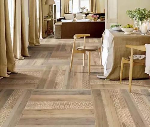 家里不要铺木地板了,有钱人家里都用这种材料代替,真的太聪明了