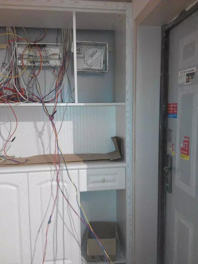 当强弱电箱遇到鞋柜,快看看你家师傅怎么处理的