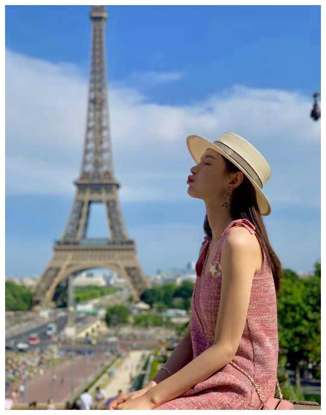 沈梦辰晒出巴黎铁塔游玩照,颜值在线 网友:没去过也一饱眼福了